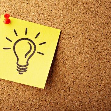 Lightbulb idea post-it