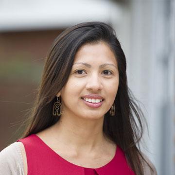 Dr. Stefania Paredes Fuentes